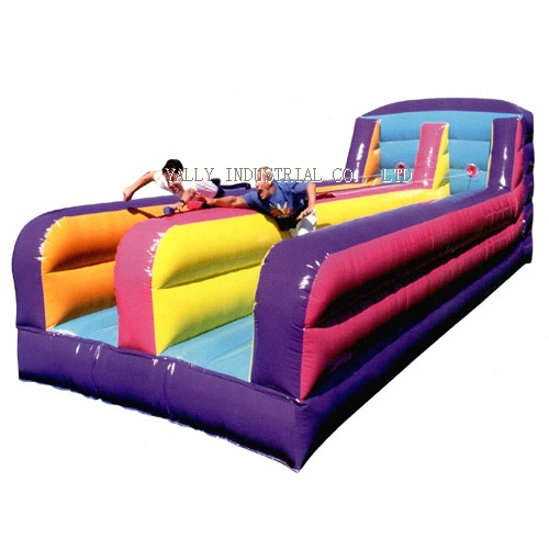 Inflatable bungee run